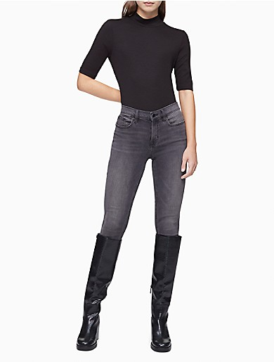 Image of Solid Ribbed Mock Neck Sweater