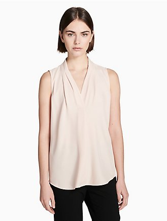 7f66942a22a60c v-neck inverted pleat blouse