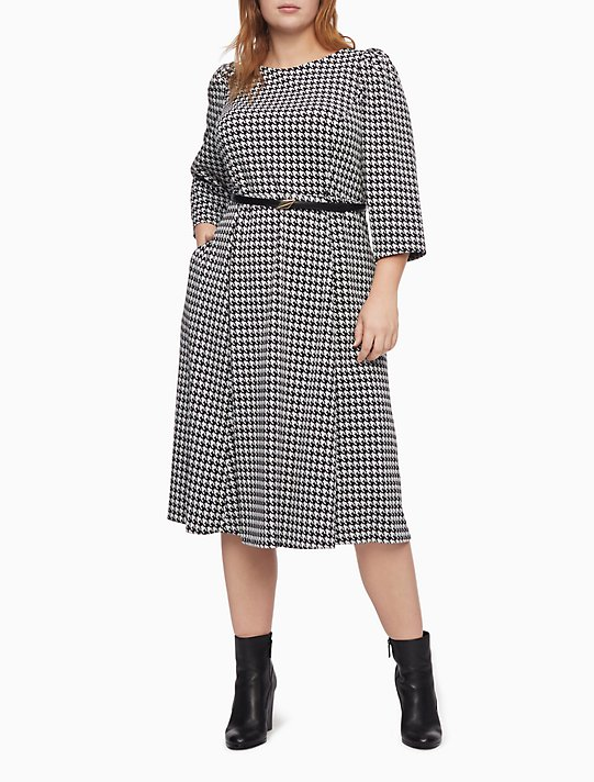 Plus Size Houndstooth 3/4 Sleeve Belted Midi Dress