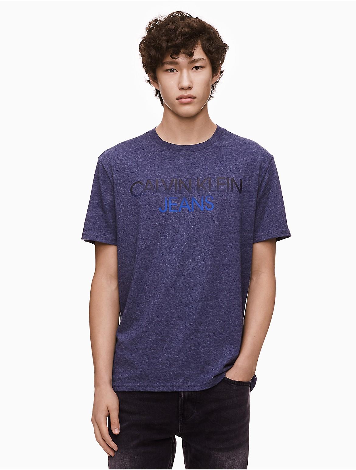 Camiseta logo con cuello degradado redondo con rwnAHqar