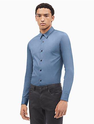 606cb694 new essentials slim fit solid logo button down shirt