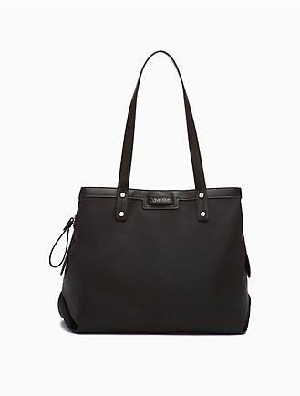 6c4d62d1e4f Women s Designer Handbags  Clutches