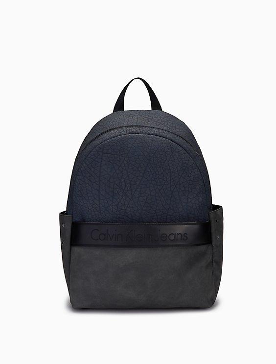 b2703df7ea9 pebble logo medium campus backpack | Calvin Klein