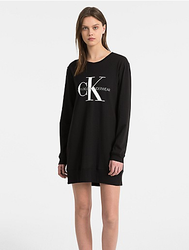 monogram logo long sleeve nightshirt  1c5986938